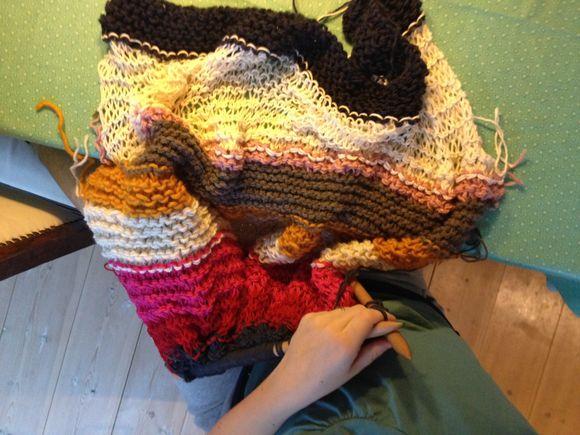 Nellie's strikkede tæppe.